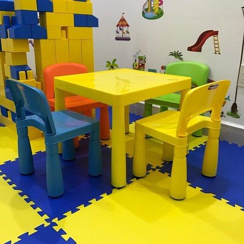 bàn ghế nhựa mầm non 1