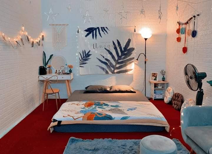cải tạo phòng trọ nhỏ xinh với giấy dán tường