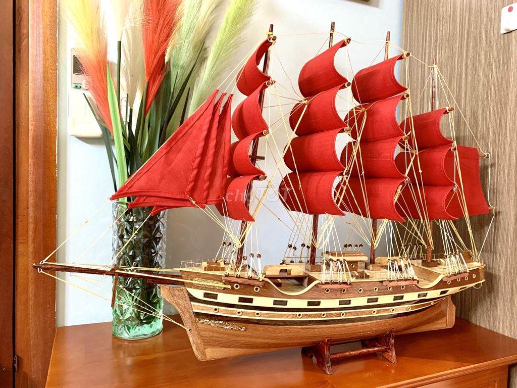 Mô hình thuyền buồm phong thuỷ
