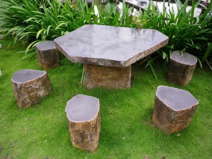 mẫu bàn ghế sân vườn làm bằng đá