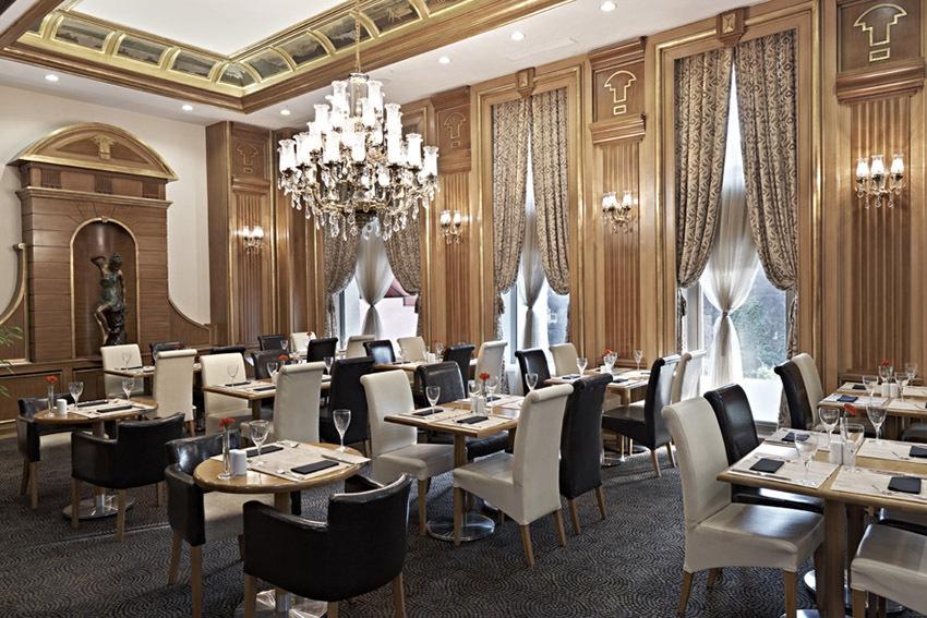 Lựa chọn bàn ghế nhà hàng Âu