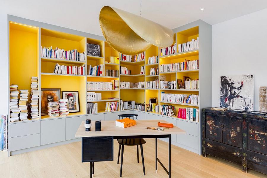 phòng làm việc hiện đại màu vàng