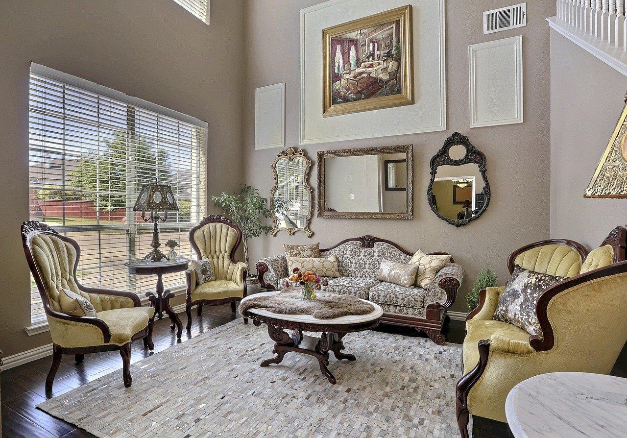 phòng khách mang phong cách cổ điển