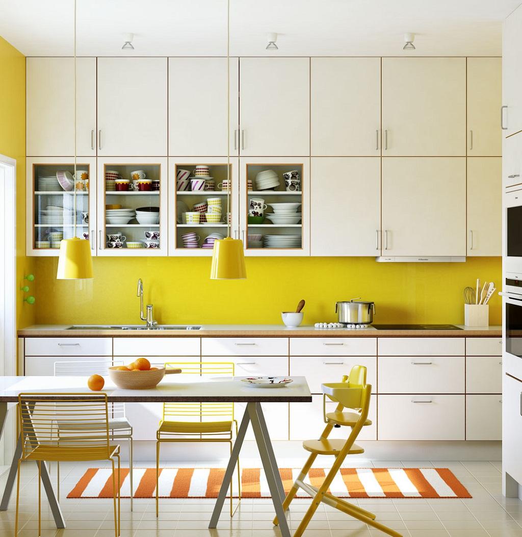Thiết kế phòng bếp với màu vàng