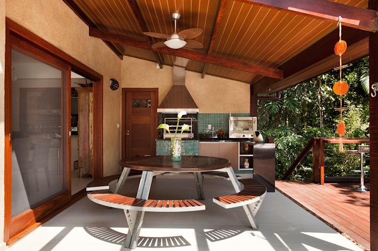sân thượng với hệ thống bếp ăn hiện đại