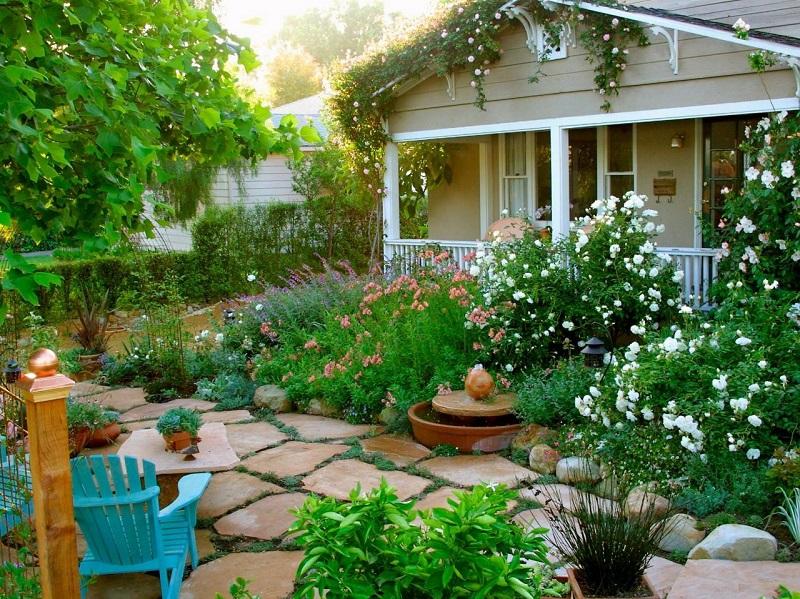 thiết kế sân vườn trước nhà