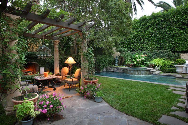 thiết kế sân vườn đẹp hiện đại