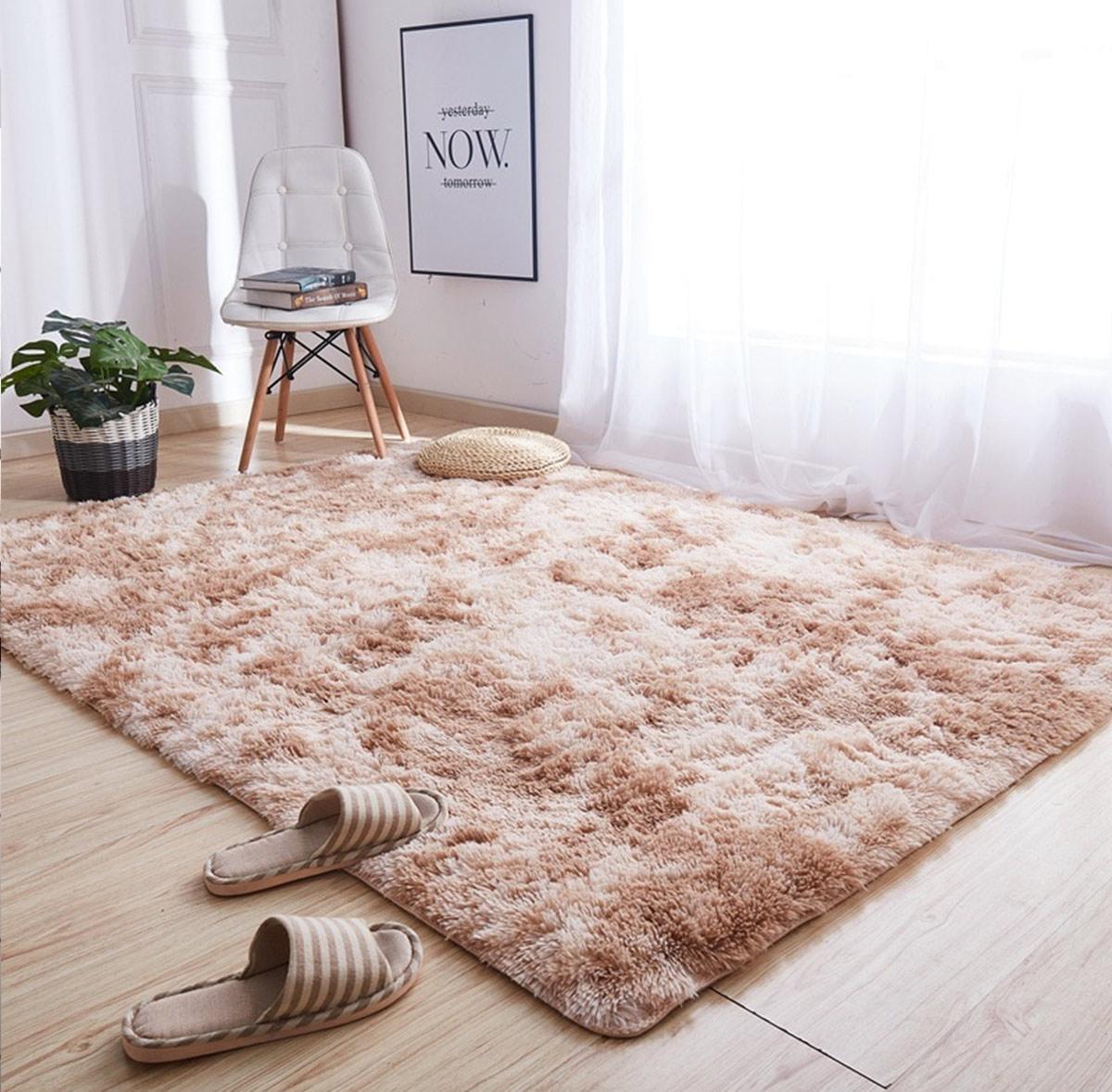 tự trang trí phòng ngủ với thảm lót sàn